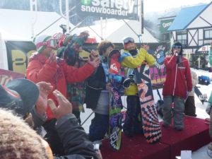 スノーボードの大会