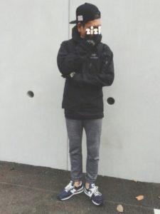 アークテリクスジャケットを使った黒コーデ1